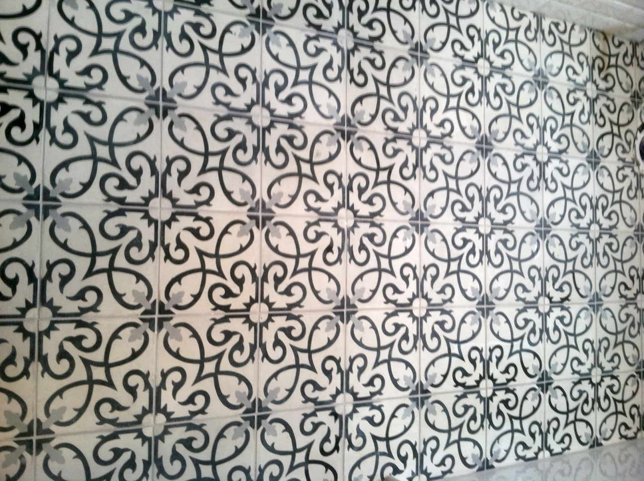 Mosaic House Moroccan tile Lucifer C14-4-24 White Black Silver, gray  cement, encaustic, field, pattern